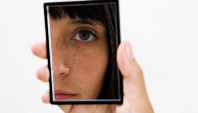 http://reverandandys.files.wordpress.com/2012/12/girl-looking-in-mirror.jpeg